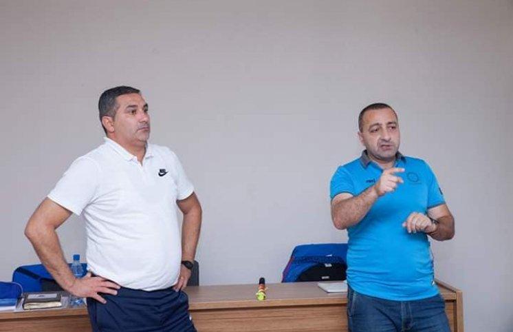 Ceyhun Haşımovla Anar Salmanov Naxçıvanda seminar keçib, kitab payladı (FOTOLAR)