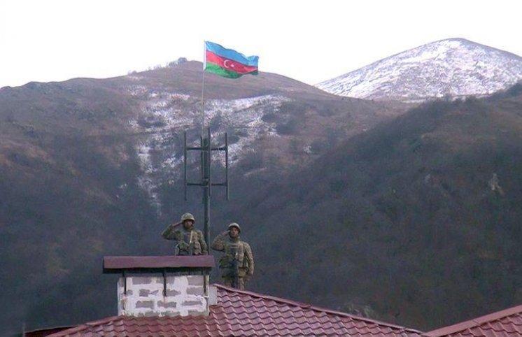 Kəlbəcər şəhərində Azərbaycan bayrağı qaldırıldı - VİDEO