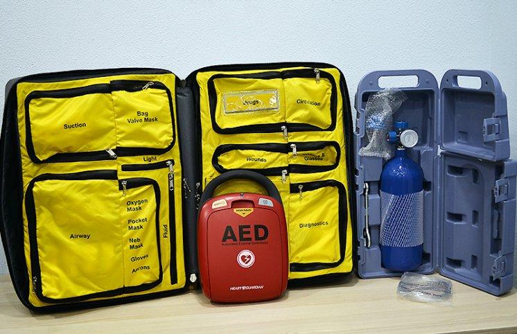 AFFA 4 kluba defibrilyator cihazı verdi - FOTO